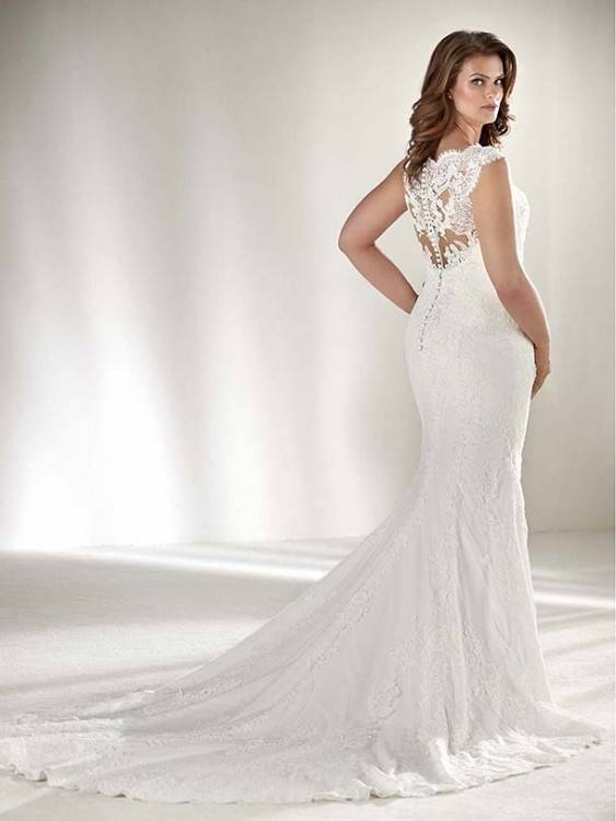 Amour Lace Wedding Gown Ivory Womens Plus Size
