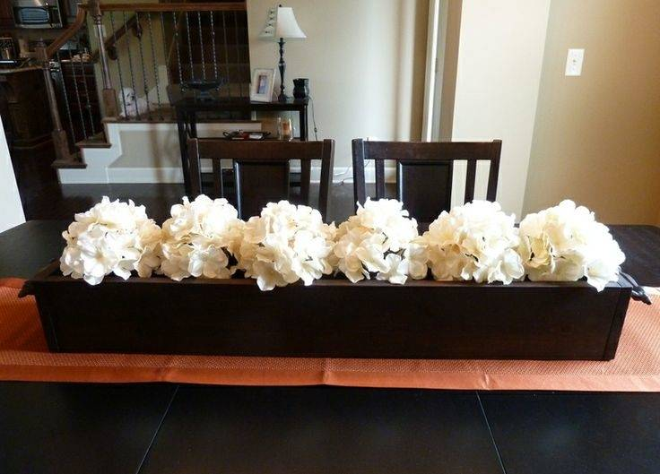 Table runner ideas – fresh accents of a festive table decor | Dining