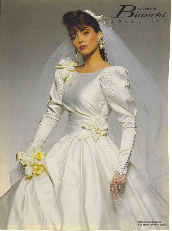 Lace was still popular, and elaborate ball gowns were still the