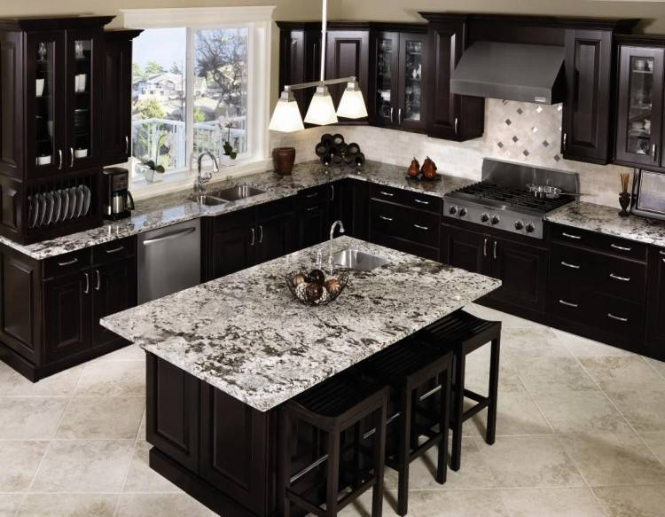 Cabinets With Black Appliances