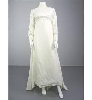 1960s & 1970s Wedding Dresses | Bohemian, Hippie, Off The Shoulder | Lace  Ruffle Crochet Trim | Bohemian Wedding Dresses | Beach Wedding Dress |  Hippie
