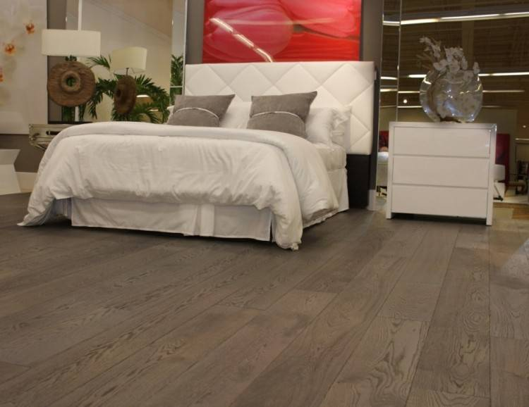 27 Enthralling Grey Bedroom Ideas Contemporary Designs: Good Looking Brown Wooden Curved · Hardwood Floors
