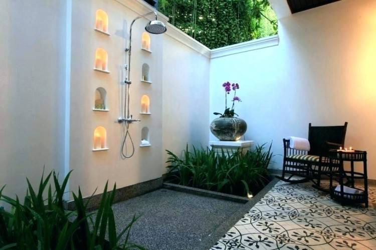 Outdoor Showers + Baths :: Boho Home :: Bathroom :: Tropical :: Beach Style :: :: Relax + Unwind :: Bathing Beauty :: Natural Space :: Discover more