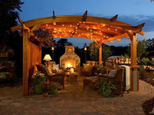 Home / Decorator's Tips / Outdoor Styles Meet Indoor Comfort