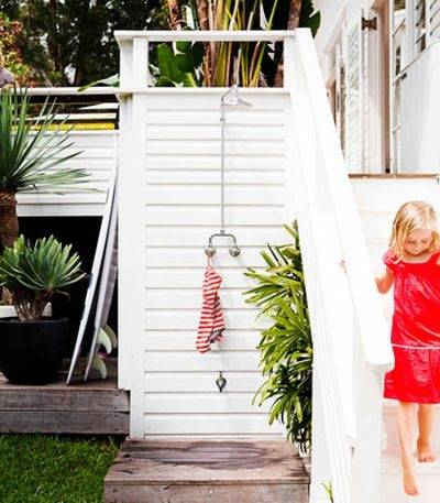 Outdoor Showers: Bathing Au Naturale