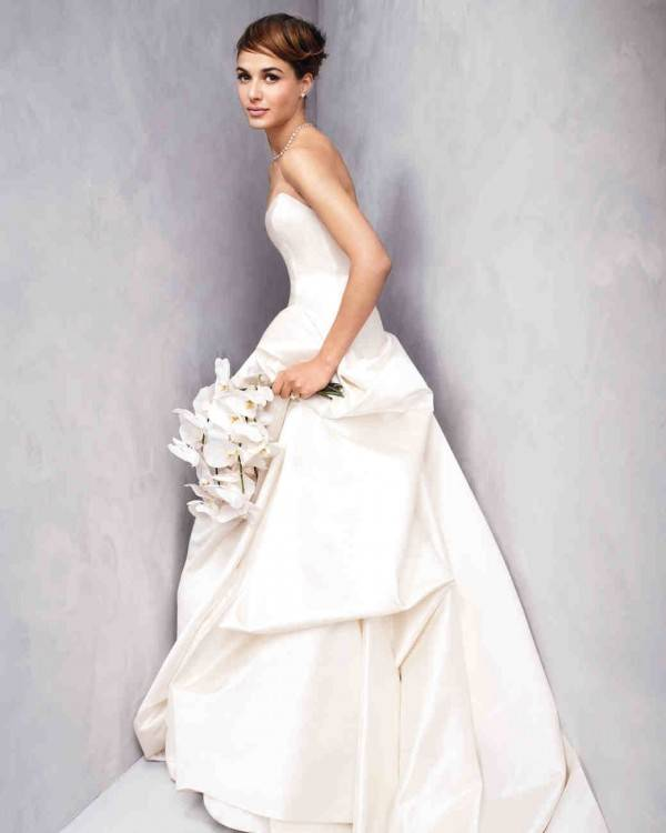 2018 Vintage Mermaid Trumpet Style Wedding Dresses Long Sleeves Button Back Lace Beaded Sheer Back Sexy Bridal Gowns Designer Lace Wedding Dresses Discount