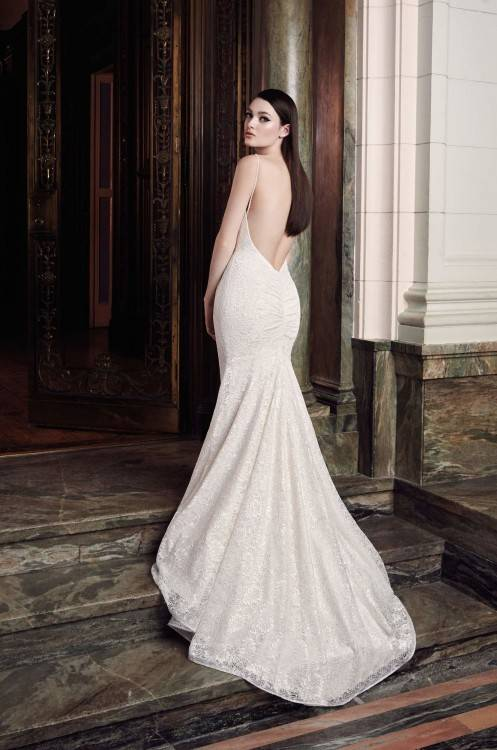 Allure Bridals Ivory Lace Spaghetti Strap Slim Fit Sweetheart Gown Style 9021 Destination Wedding Dress Size