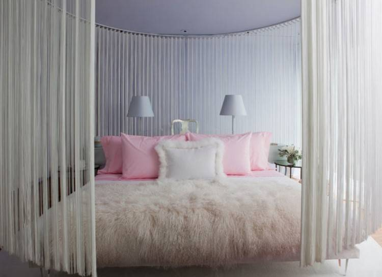 Picking the perfect idea for your teen's bedroom certainly isn't an easy task