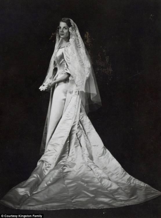 478 in 33 Photos Wedding Dress Styles 1980