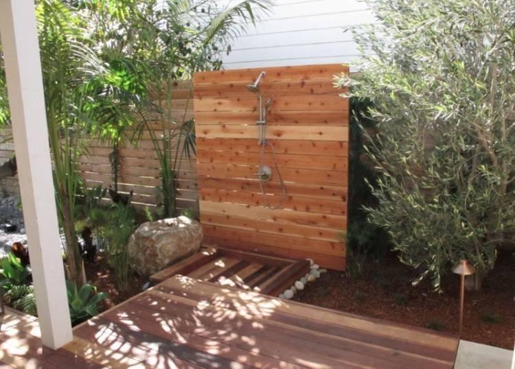 #Outdoor #Showers #DIY #Bathroom
