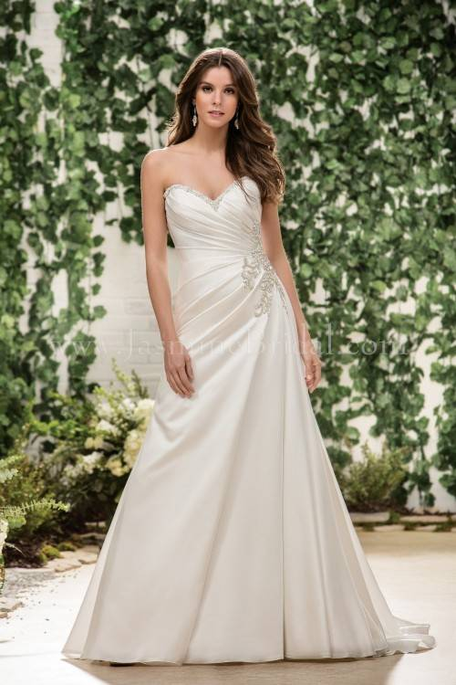Custom Made New Mermaid Style Wedding Dresses 2019 Backless Sweetheart Neckline Appliques Tulle Zipper Chapel Train Bridal Gowns Short Wedding Dresses Gowns