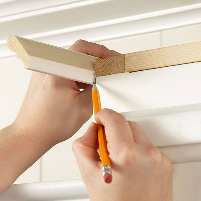 How to Install a Crown Molding to Kitchen Cabinets