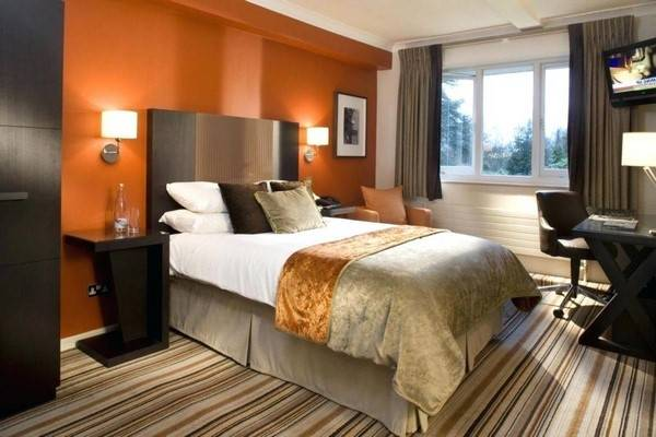 bedroom orange paint ideas