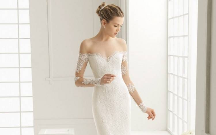 Just like the summer and winter trends keep on changing, in the same way wedding dresses and their styles also change over the seasons