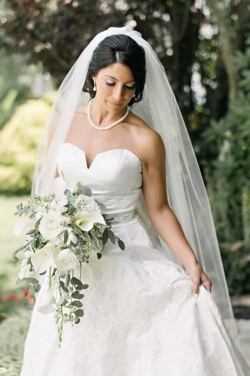 Shop Bridal Veils from Elegant Wedding Invites