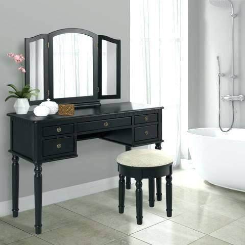 david square / winnipeg free press/RTA solid birch kitchen cabinets