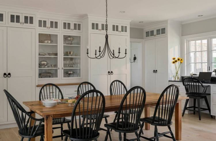Talk about a transformation: a wall between the kitchen and dining room was opened up, improving both spaces