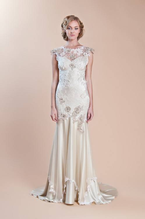The beading is laid out in a 1920s design from top to bottom