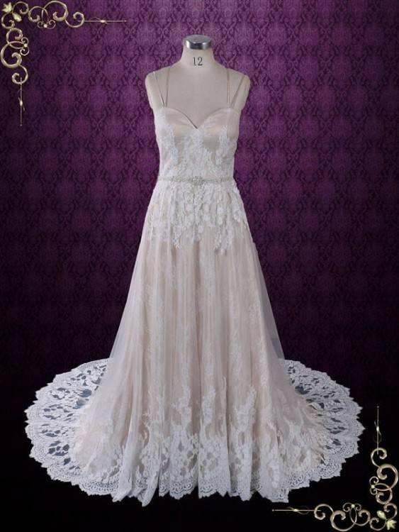 Discount Lace Tulle Country Style Beach Wedding Dresses Spaghetti Straps Cheap High Quality Bohemian Boho Bridal Gowns With Sweep Train Custom Made Wedding