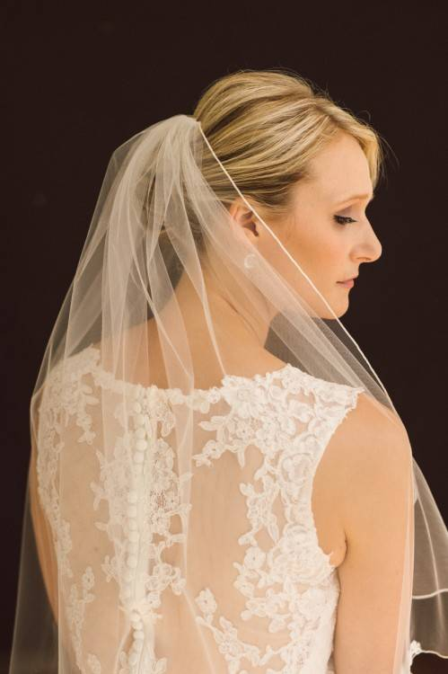 Bride Hairstyles With Veil And Flower Pictures Wedding Veils Flowers  Hair Down 1024