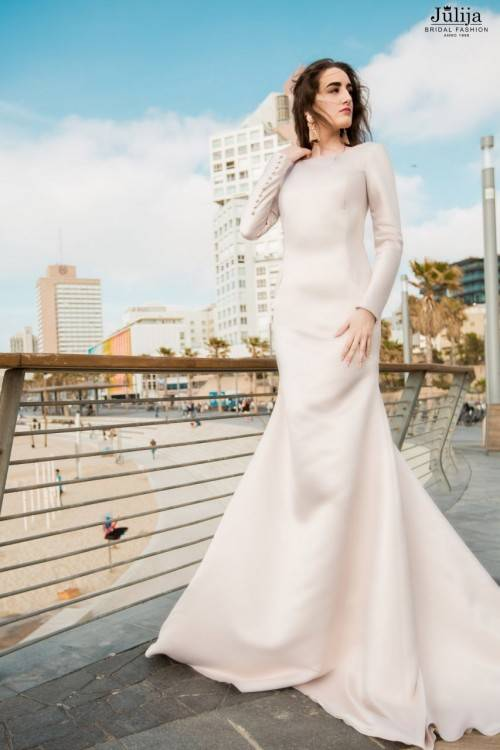 com : Buy Lebanon Designer Style Cap Sleeve Sexy Low Back Sequence Beads Laces Patterns Wedding Dresses 2014 Spring XT 744 from Reliable dress