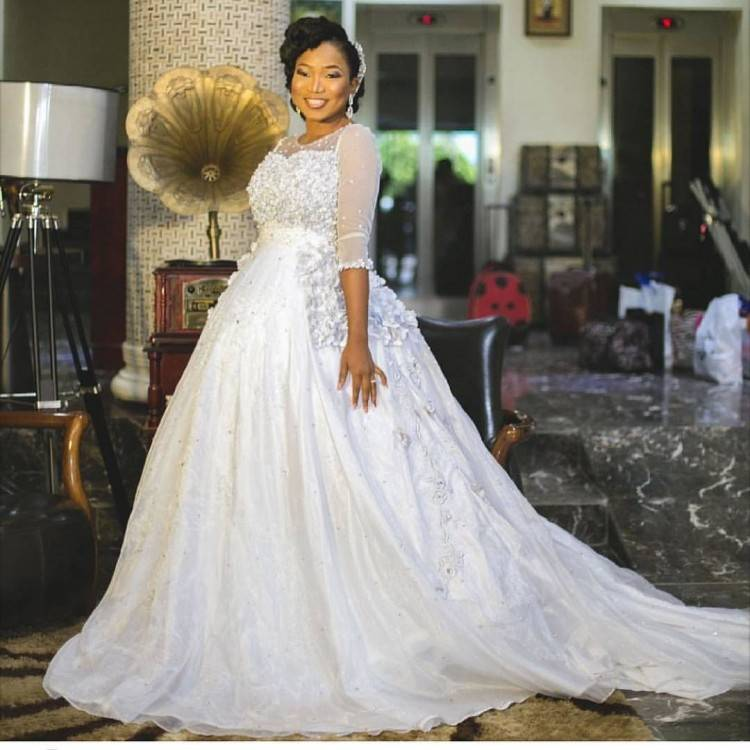 2016 Nigeria Mermaid Wedding Dresses African Traditional Bridal Gowns Pink  Jewel Neck 1/2 Long Sleeves Ivory Lace Appliques Chapel Train African  Traditional