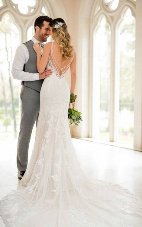 Sexy Backless Mermaid Wedding Dresses 2019 Spaghetti Straps Lace Appliques Garden Country Style Wedding Dress Cheap Bridal Gowns Taffeta Mermaid Wedding