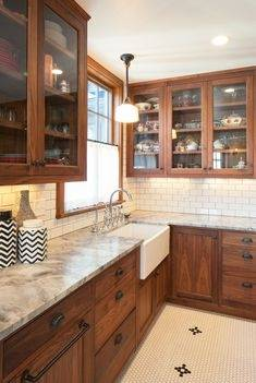 #sinks #stove #menjaminmoore White, gray, black, red and more color glass backsplash ideas with kitchen cabinets and countertops