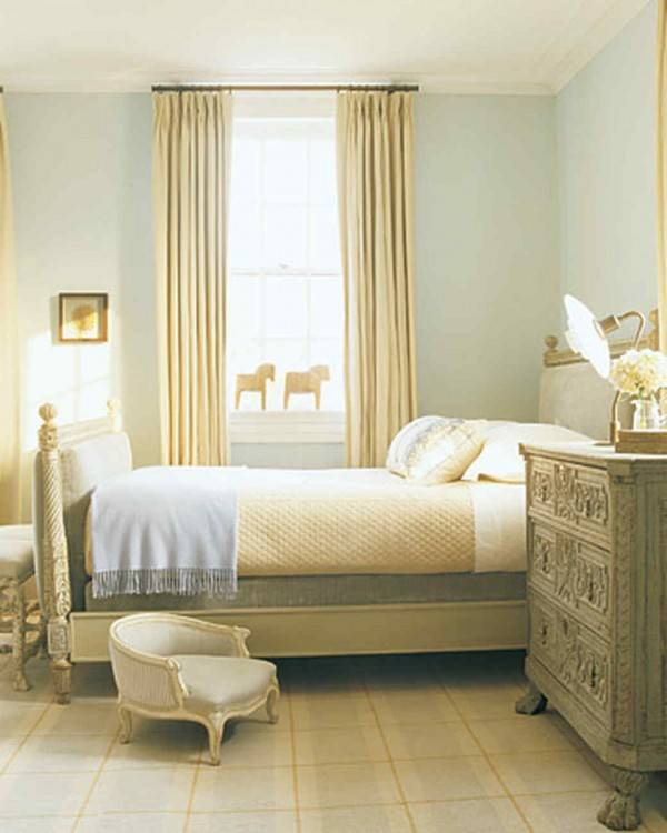how to decorate a bedroom with no money