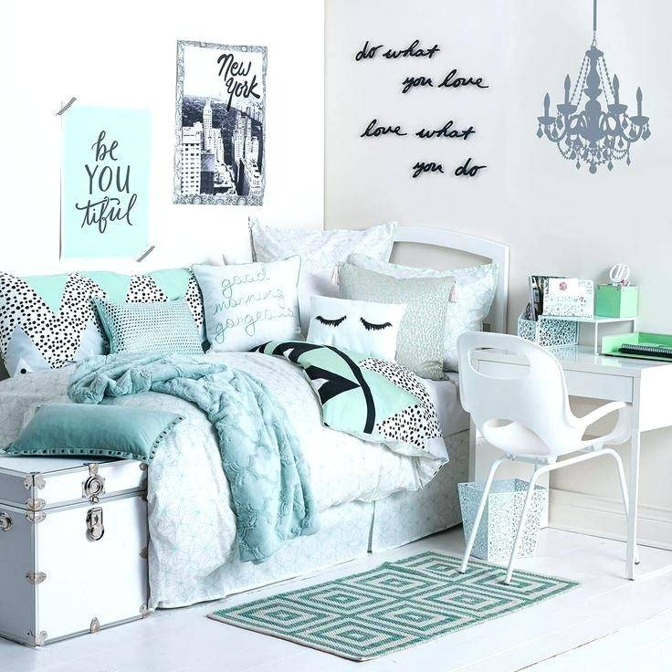 Teenage Girl Rooms Creative b176ac7445359a6528435d2254c15527 Interesting tips for a appealing bedroom ideas for teen girls small Bedroom decor suggestions