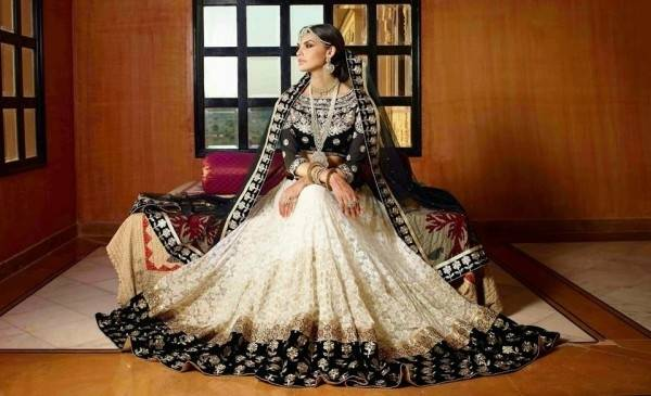 Newest White And Gold Muslim Wedding Dresses 3/4 Long Sleeve Ball Gown  Sheer Indian Styles Arabic Bridal Gowns Robe De Mariage W1618 Canada 2019  From