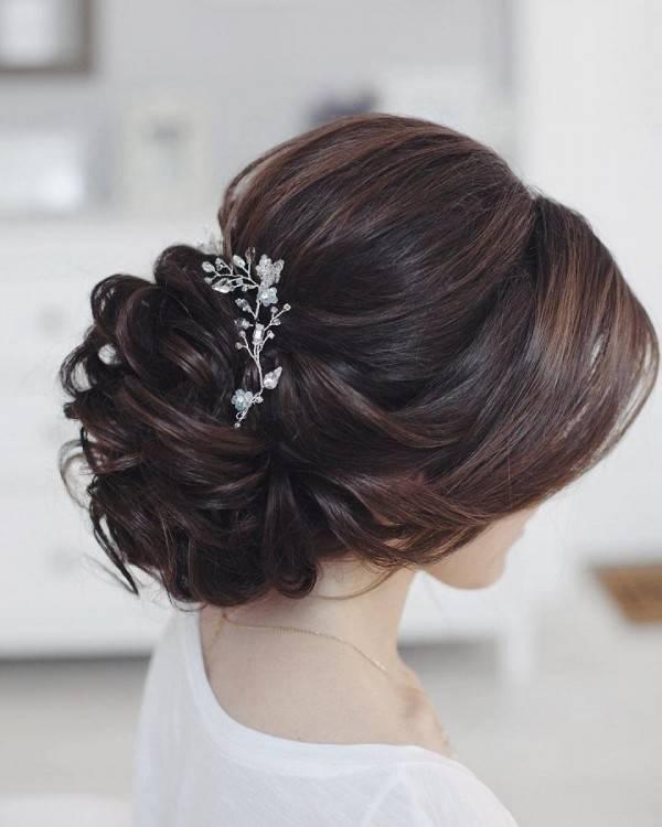 An elegant wedding hairstyle