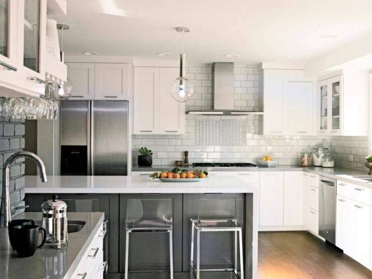 decorating ideas above cabinets pictures