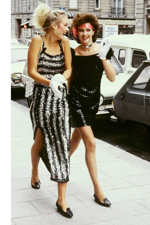 Scroll through some of the 80´s fashion trends that have made their way back to our hearts and wardrobes