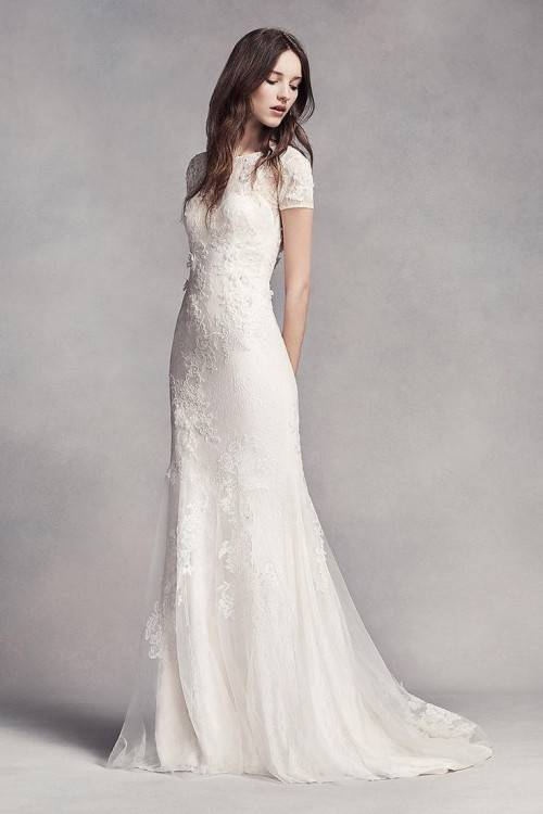 Discount New Modest Wedding Dresses With Sleeves 2017 Country Style Bohemian Garden Bridal Gowns Lace Tulle Scoop Neck Illusion Short Sleeves Brides Bridal