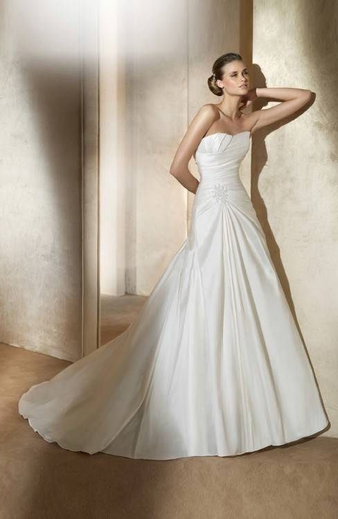 wedding dresses for big busts