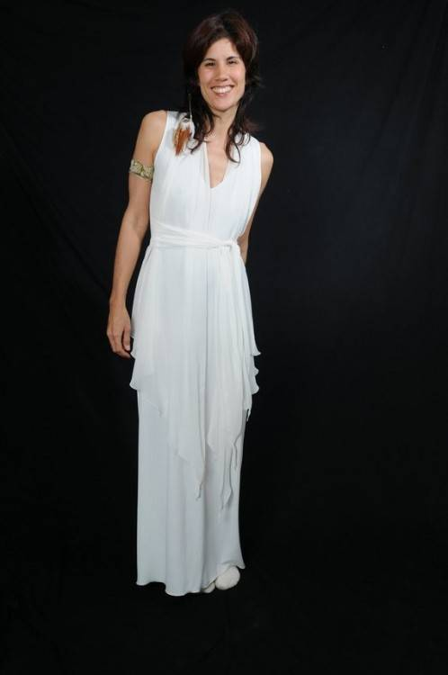 Greek Style Wedding Dress (Source: weddinginspirasi