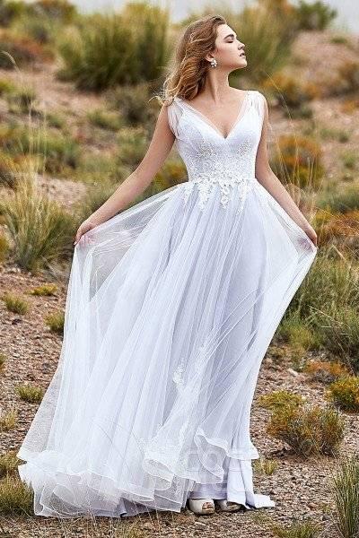 Emerald Bridal 8121 wedding dress