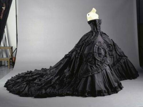 The best gothic style wedding dresses, review, photos & videos