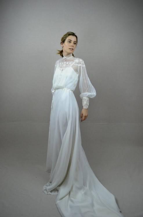 Discount Vintage Bohemian Wedding Dresses 1970s Hippie Bridal Gowns Off The  Shoulder A Line Cream Ivory Chiffon Lace Boho Wedding Dress Custom EN972  Brides