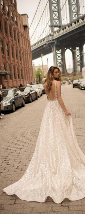 Discount Modest Hippie Boho Beach Wedding Dresses 2018 Long Sleeves V Neck Plus Size Chiffon Cheap Summer Maternity Country Greek Style Bridal Gowns Simple