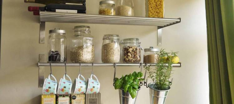 Are looking for ways to save space in your kitchen? Check out these awesome  kitchen hacks that will help you make the most of your small kitchen
