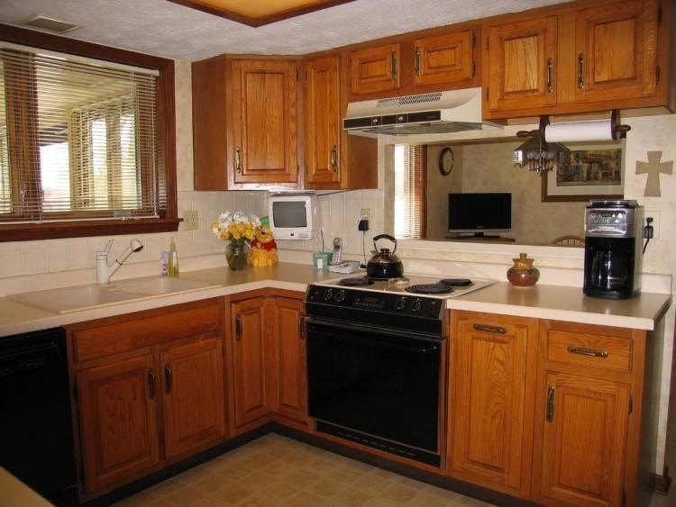 floor that match oak cabinets kitchen
