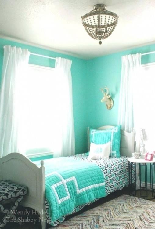 green bedroom decor mint