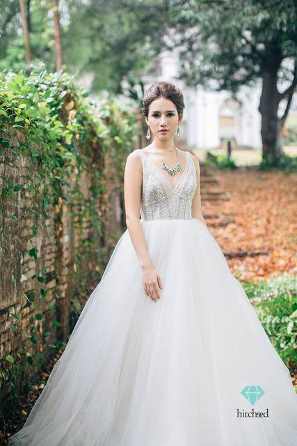 How about the slender girls wedding? They have the slender body style, medium or small chest, thin and flat hips and fat impossible