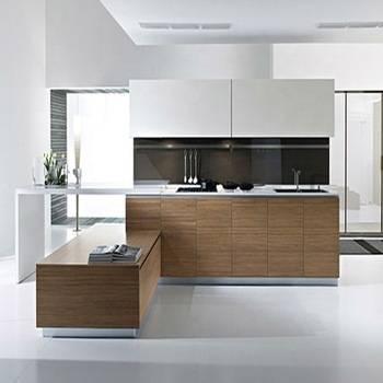 Banyak faktor mempengaruhi harga kitchen kabinet antaranya material yang  digunakan, jenis permukaan kaunter top, aksesori yang diambil dan ofcoz  ukuran