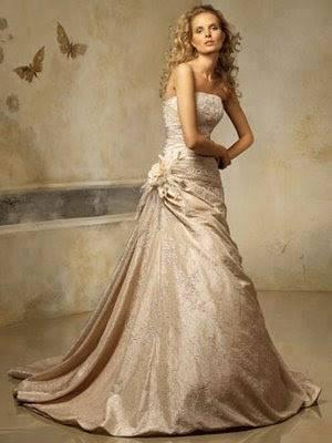 Minimalist Bridal Style | Wedding dress by Halfpenny London | Image by  Agnes Black