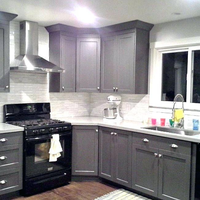 Full Size of Houses Tile Floors Kitchen Flooring Oak Cabinets Black Appliances Modern Nice Design White