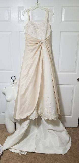 Style Cloris by Sophia Tolli