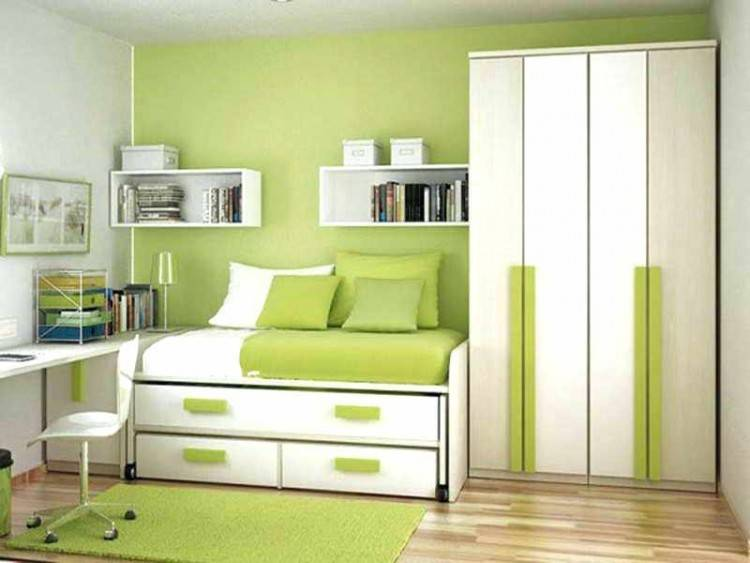 Most of the rooms that we have seen so far have been splashed with many  different shades of green in large doses